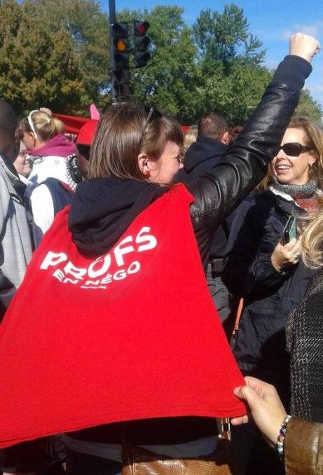 manif t-shirt rouge