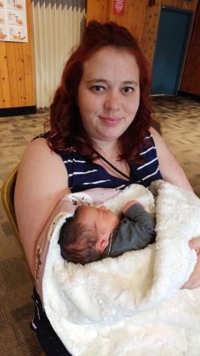 Un bébé tout neuf. 2 jours de vie!