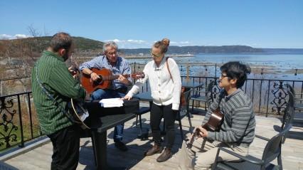 Outaouais, Marie-Victorin, John Abbott et Dawson réunis devant le fleuve.